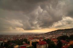 Sturm über der Stadt von Triest Lizenzfreie Stockfotografie