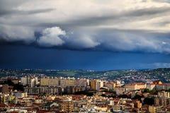 Sturm über der Stadt von Triest Stockbild