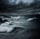 Sturm über Ozean lizenzfreies stockbild