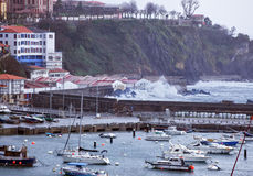 Sturm in Bermeo Stockfotos