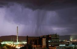 Sturm in der Nacht mit Blitz Lizenzfreies Stockbild