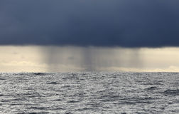 Sturm des Pazifischen Ozeans Lizenzfreie Stockbilder
