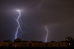 Sturm mit Blitz in der Nacht Stockbilder