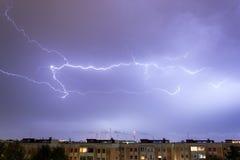 Sturm mit irgendeinem Blitzschlag Stockfoto