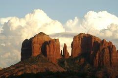 Sturm-nähernder Kathedrale-Felsen Stockfoto