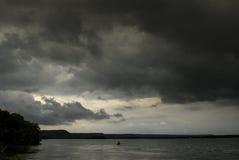 Sturm und Regen über See, Frankreich Stockfotos