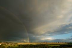 Sturm und Regenbogen Stockfotografie