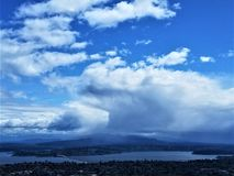 Sturm-Wolken über Textilienhändler Island Lizenzfreie Stockfotografie