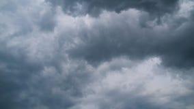 Sturm-Wolken bewegen sich in Himmel, Timelapse stock video footage