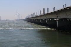 Sturmflutwehre nannten Oosterscheldekering, um Teil der Niederlande mit einem Länge og 9 Kilometer zu schützen Stockbild