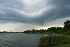 Sturmwolke der ungewöhnlichen Form Lizenzfreie Stockfotografie