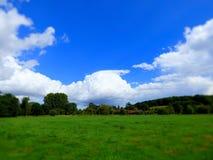 Sturmwolken-Sommertag lizenzfreies stockbild