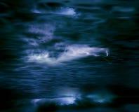 Sturmwolken und -blitz stock abbildung