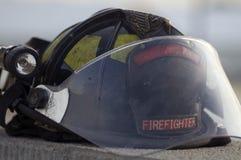 Sturzhelm des Feuerwehrmanns Stockfoto