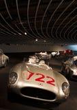 Stuttgart, Alemania - 10 de febrero de 2016: Interior del museo Mercedes-Benz Welt fotos de archivo libres de regalías