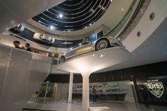 STUTTGART, DEUTSCHLAND - 30. DEZEMBER 2018: Innenraum des Museums stockfotografie