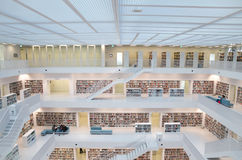 Stuttgart, Deutschland - 21. Mai 2015: Die Stuttgart-öffentliche Bibliothek, Stockbilder