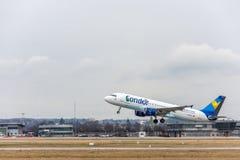 Stuttgart, Duitsland - Februari 3, 2018: Luchtbusvliegtuig A320 royalty-vrije stock afbeeldingen