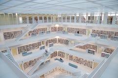 Stuttgart, Germania - 21 maggio 2015: La biblioteca pubblica di Stuttgart, Immagine Stock Libera da Diritti