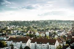 Stuttgart med byggnader och träd Arkivbilder