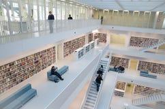 Stuttgart Niemcy, Maj, - 21, 2015: Stuttgart biblioteka publiczna, Zdjęcia Stock