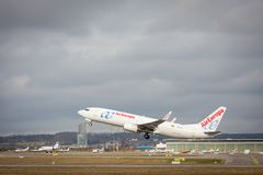Stuttgart Tyskland - Februari 3, 2018: Boeing flygplan 737-800 från AirEuropa Royaltyfri Bild