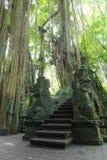 Stutue im heiligen Affe-Wald, Ubud, Bali, Indonesien Stockbilder