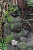 Stutue im heiligen Affe-Wald, Ubud, Bali, Indonesien Stockfotos