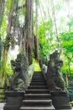 Stutue im heiligen Affe-Wald, Ubud, Bali, Indonesien Lizenzfreie Stockfotos