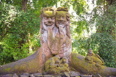 Stutue im heiligen Affe-Wald, Ubud, Bali, Indonesien Stockbild