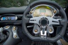 Stuurwiel in de Toscaanse sportwagen van TVR Stock Fotografie