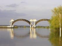 Stuw Driel, плотина в реке Рейне (Nederrijn, Нидерланды) стоковая фотография