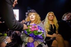 STV korespondent przeprowadza wywiad Alla Pugacheva obraz royalty free