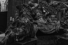 StVitus在布拉格城堡的大教堂内部 库存图片
