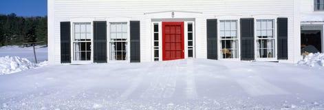 Stwarza ognisko domowe w zima śniegu, Woodstock, Vermont Obrazy Stock