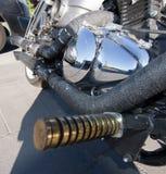 Stwarza ognisko domowe wykonującego ręcznie motocyklu chrom i białego frontowego koło obraz stock