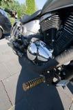 Stwarza ognisko domowe wykonującego ręcznie motocyklu chrom i białego frontowego koło fotografia royalty free