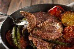 Stycke av grillad nötköttbiff royaltyfria foton