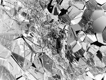 Stycken av brutet eller sprucket exponeringsglas på svart Arkivfoton