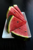 Stycken av den mogna vattenmelonen Arkivbilder