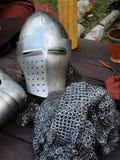 Stycken av harnesken och mellanrumet för metall den medeltida Royaltyfri Fotografi