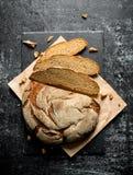 Stycken av nytt bröd royaltyfri foto