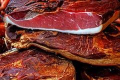 Stycken av rökt griskött bacon-3 Arkivbild