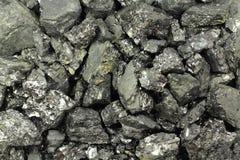 Stycken av svart kol Arkivfoto