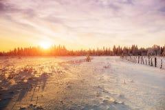 Styczeń 33c krajobrazu Rosji zima ural temperatury Górska wioska w Ukraińskich Carpathians Zdjęcia Stock