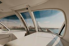 3 2019 Styczeń Fotografia Dubaj Palmowa wyspa widzieć z wewnątrz pociągu, Zjednoczone Emiraty Arabskie zdjęcia stock