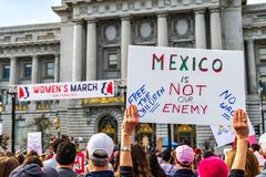 Styczeń 19, 2019 San Francisco, CA, usa/- kobiety wydarzenia Marcowy znak obraz royalty free
