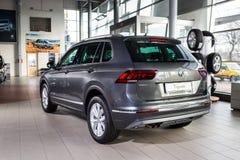 19 Styczeń, 2018 - Vinnitsa, Ukraina Volkswagen Tiguan pres Zdjęcie Stock