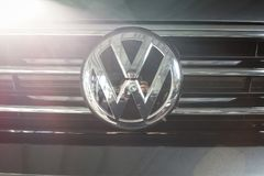 19 Styczeń, 2018 - Vinnitsa, Ukraina Volkswagen Tiguan pres Fotografia Stock
