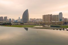 Stycznia zmierzch nad nowożytnym Baku Zdjęcie Royalty Free